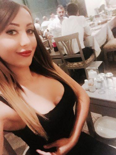 Çılgın saksocu kadın Nilgün