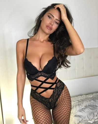 Seks kraliçası esmer Leyla